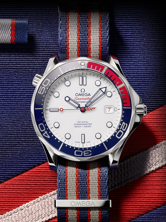 The special copy Omega Seamaster Diver 300M 212.32.41.20.04.001 watches have white dials and red-blue-grey straps.