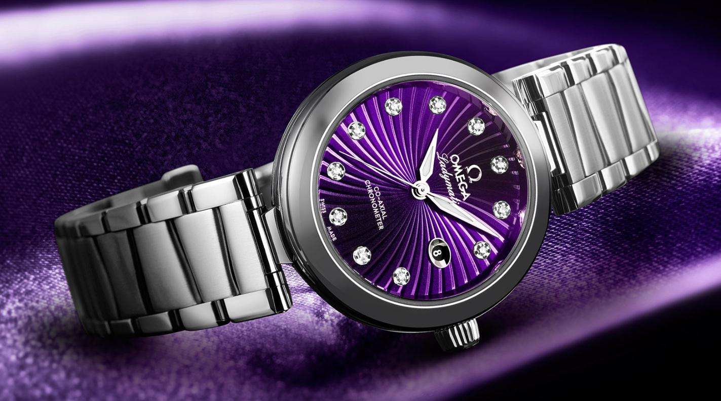 The attractive fake Omega De Ville 425.30.34.20.60.001 watches are designed for ladies.