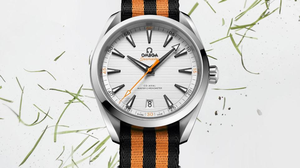 The 41 mm replica Omega Seamaster Aqua Terra 150M 220.12.41.21.02.003 watches have silvery dials.