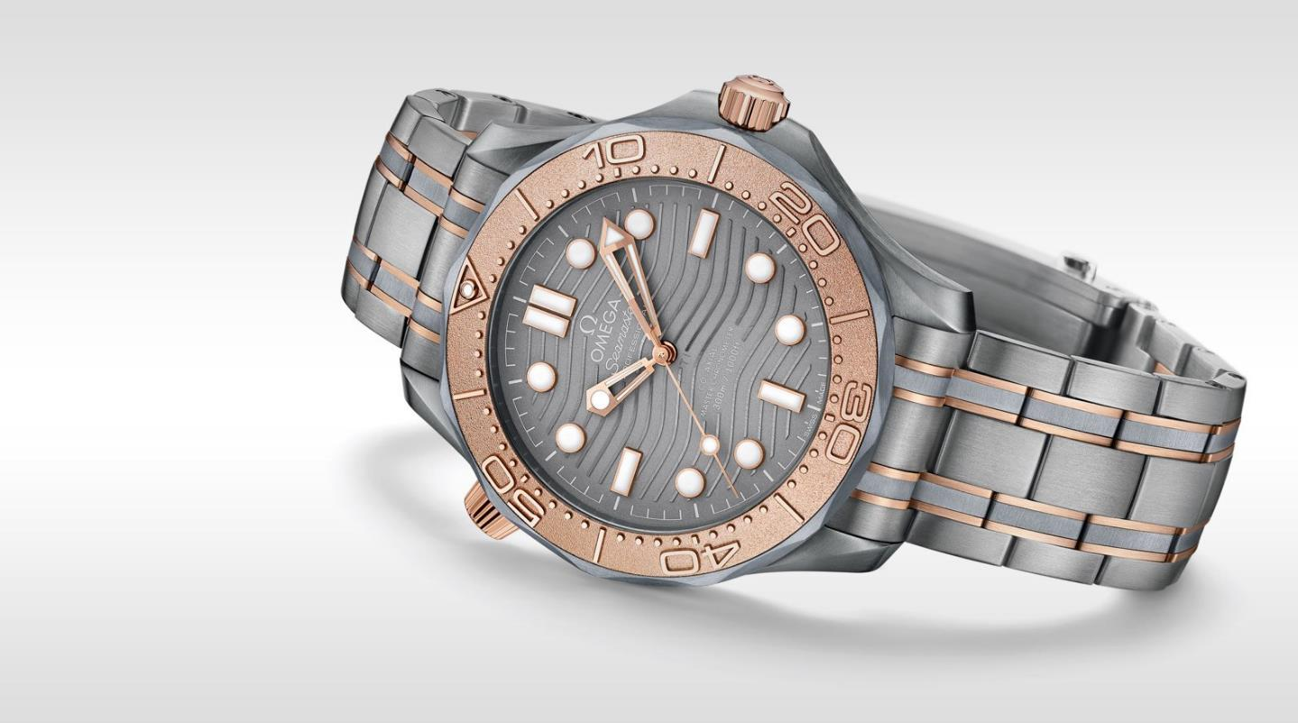 The 42 mm copy watches are made from tantalum metal.