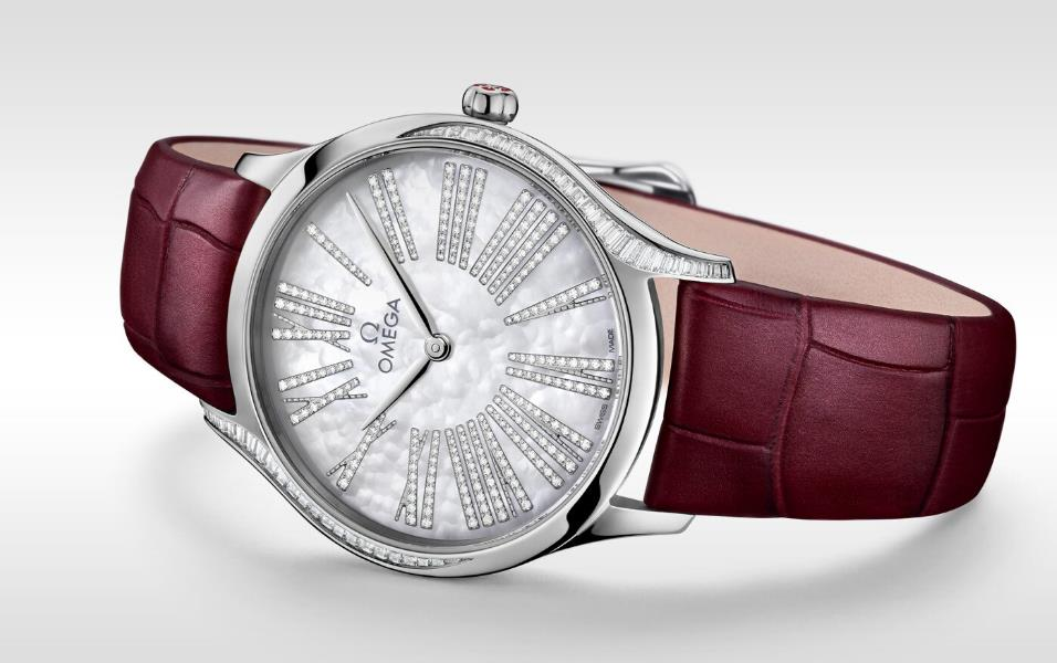 The 36 mm copy watches are decorated with diamonds.