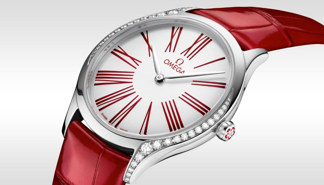 The white dials fake watches have red leather straps.