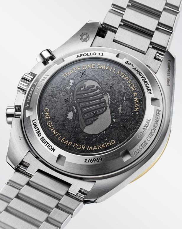 The 42 mm fake watches are made from stainless steel.