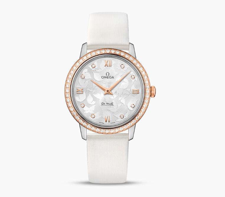 The 32.7 mm fake watches have white leather straps.